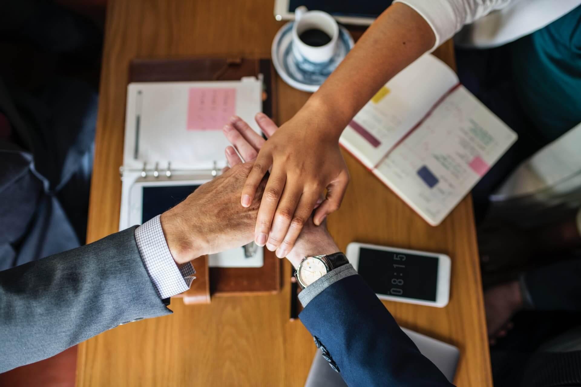 Equipe unida e funcionários motivados