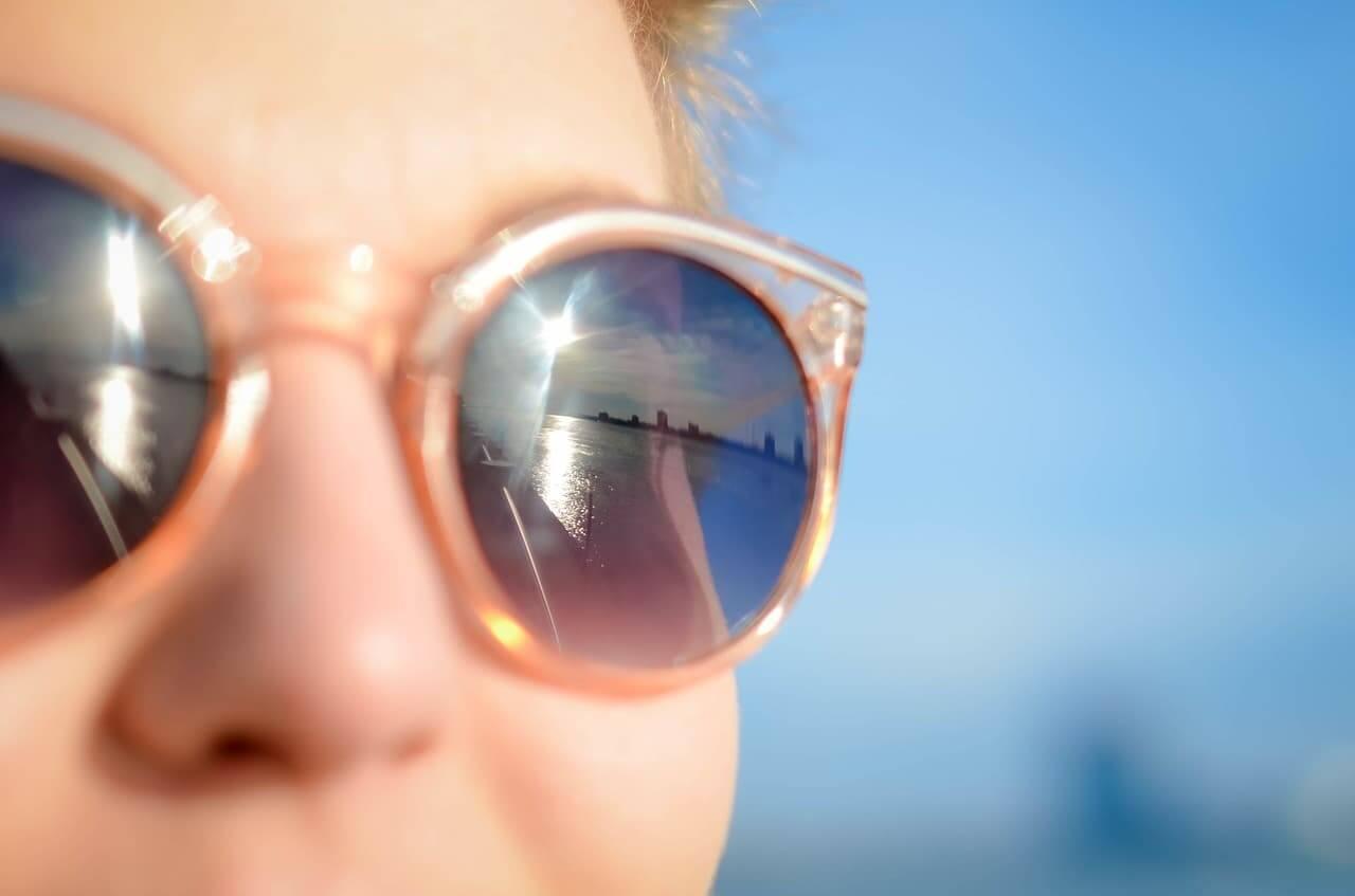 Como proteger os olhos da luz UV
